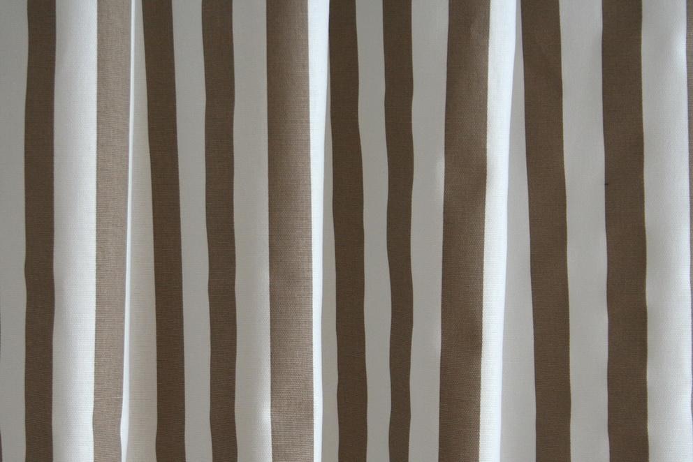 Barna -fehér csíkos dekor - Lakberendezési webáruház – Otthonelegancia 97bd08d259